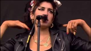 getlinkyoutube.com-Amy Winehouse 2008-07-13-T in the park