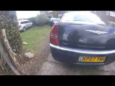 How to pull out the rear seat of the Chrysler 300C вытянуть заднее сиденье Chrysler 300C
