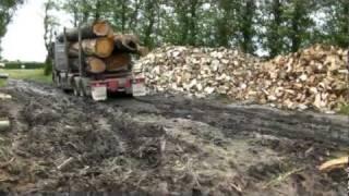 getlinkyoutube.com-Logging Truck stuck in the mud
