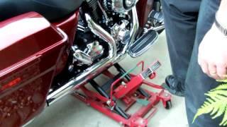 getlinkyoutube.com-Using a motorcycle jack 1