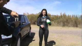 getlinkyoutube.com-Sofia con traje de Neopren (http://www.rocketsciencesports.com/women/wetsuits.html)