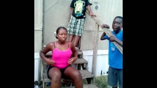 getlinkyoutube.com-A girl got jumped