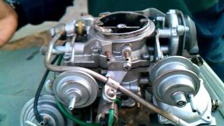 toyota corolla carburetor help!! carburetor problem! how to clean carburetor