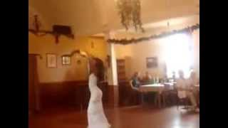 Persian Women Dancing in Wedding * رقص بسیارزیبای یک خانم ایرانی در یک مجلس جشن