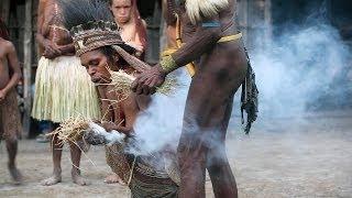 getlinkyoutube.com-Fire lighting ceremony in a Dani village - Baliem Valley, Papua province, island of New Guinea