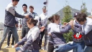 getlinkyoutube.com-송지효, 이광수 '딱밤'에 봉인 해제…'멍광남매' 살벌한 육탄전! 《Running Man》런닝맨 EP427