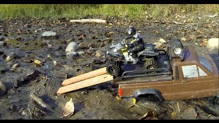 getlinkyoutube.com-RC CWR more MUD BOG rescue