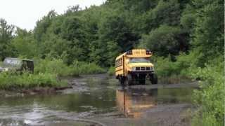 getlinkyoutube.com-mud bogging short bus