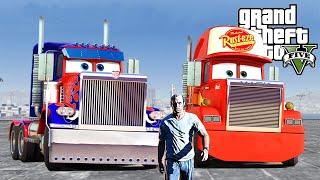 getlinkyoutube.com-GTAV - Fun Time with Lightning Mcqueen Truck Mack Meets Optimus Prime From Transformers