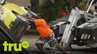 getlinkyoutube.com-South Beach Tow - Rapping Smart Car Owner Makes Stupid Mistake