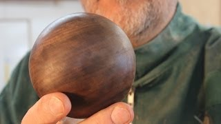 getlinkyoutube.com-Turning a wooden Sphere on the Lathe