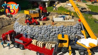BRUDER TRUCK Construction Company! House building - bricks transport