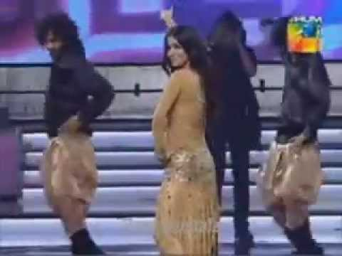 Humaima Malik Dance Performance in 1st Hum Tv Awards