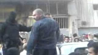 getlinkyoutube.com-اقتدار نیروی انتظامی.کتک خوردن اراذل و اوباش!.flv