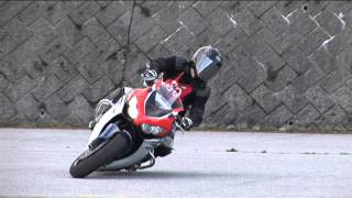 getlinkyoutube.com-2013 10 26 Moto Gymkhana サンメドウズ 練習会 Tanio 選手 CBR1000RR