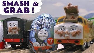 getlinkyoutube.com-Thomas and Friends Diesel 10 's Smash and Grab Kinder Surprise Eggs Toy Trains Crash Accident