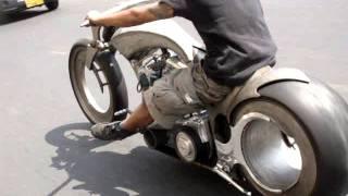 getlinkyoutube.com-Hubless Motorcycle Hot Rod Pattaya Thailand