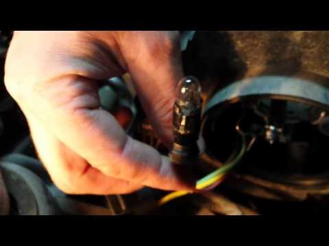 Замена лампы габаритного света KIA Rio