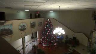 getlinkyoutube.com-Hotel Tour: Christmas Time at the Comfort Inn Burkeville VA (decorations by Rocco!)