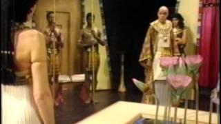 getlinkyoutube.com-The Cleopatras (1983) Episode 4