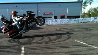 How to wheelie 420kg Honda Gold Wing