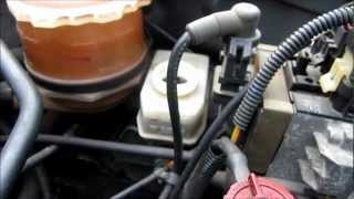 getlinkyoutube.com-TUTO (2/3) changer/purger le liquide de frein (how  to change/flush your brake fluid)
