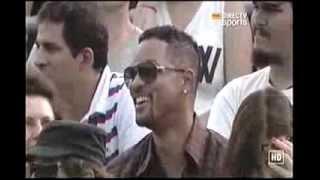 getlinkyoutube.com-Novak Djokovic and Will Smith entertain the crowd in Argentina (Dancing Kings)