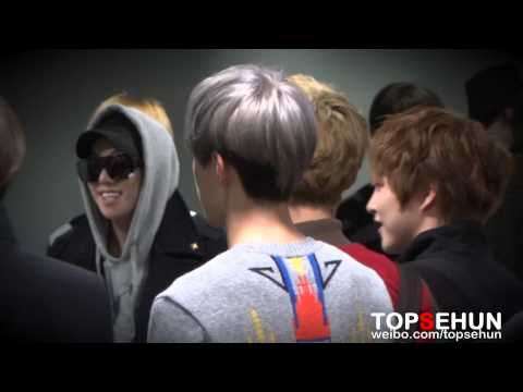 20121129 EXO arriving HK airport Sehun focus