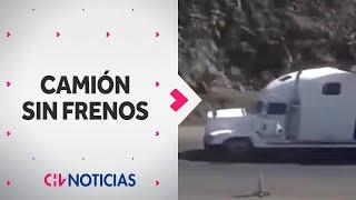 getlinkyoutube.com-Impactante registro muestra accidente de camión sin frenos en Arica - CHV Noticias