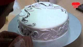 getlinkyoutube.com-Tân Nhất Hương: Decor bánh kem kiểu mới - Điêu Quốc Cường - 03 (HD Video)