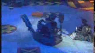 getlinkyoutube.com-Robot Wars - Firestorm Flips Mr. Psycho! (HQ)