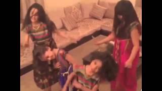 getlinkyoutube.com-رقص اطقال على شيلات (اوبريت مطير وعتيبة)