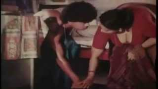 Mallu Aunty Seducing Young Boy HD