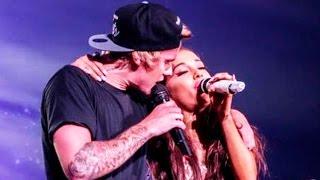 getlinkyoutube.com-Justin Bieber Forgets Lyrics In Ariana Grande Duet