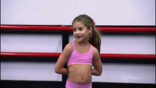 getlinkyoutube.com-Dance Moms 2x05 // Mackenzie makes Abby cry