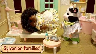 getlinkyoutube.com-Мама-ёжик заболела? Мультик с игрушками Sylvanian Families. Слабонервным не смотреть!!!