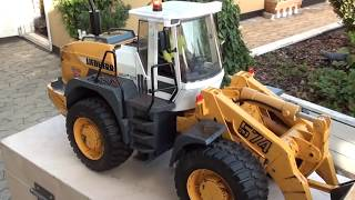 getlinkyoutube.com-RC Loader Liebherr 574 Bruder Review