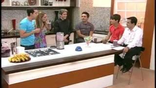 getlinkyoutube.com-Thiago Rocha ensina como preparar um milk shake de açaí