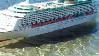 getlinkyoutube.com-RC boat / cruise ship voyager of the seas