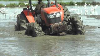 getlinkyoutube.com-KUBOTA M 9540 Y M 108 EN ARROZ FANGEO