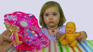 getlinkyoutube.com-Набор детской косметики Барби красится девочка Barbie makeup set toy
