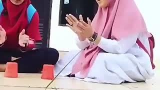 Santri cantik Sholawatan Lagu Ya Habibal qolbi alat musik pake gelas plastik kreatif banget