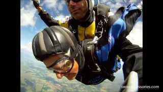Amazing skydive! 81 years old women has real fun in the sky!