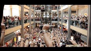 getlinkyoutube.com-Hamburg Singt - Größter Flashmob Deutschlands (Official)