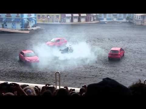 Extreme Show HD ( Carros e motos em manobras arriscadas )