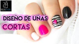 getlinkyoutube.com-Diseño de uñas cortas blanco y negro corazón neón / Short nail design black and white neon heart