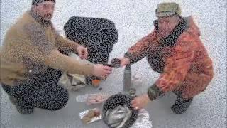 getlinkyoutube.com-Рыбалка на Кубани. Лов тарани  на Ейском лимане. Январь 2015