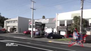 getlinkyoutube.com-Head Hunters Gang Pad Raided In Auckland New Zealand
