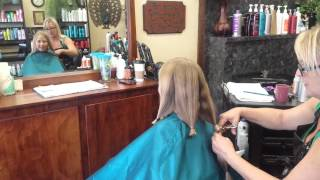 Alexis cuts her hair for locks of love