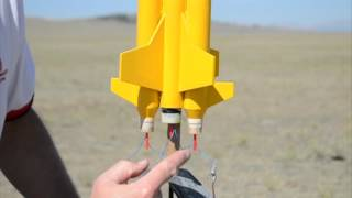 getlinkyoutube.com-Clustering Model Rocket Engines with Quest Q2G2 Igniters